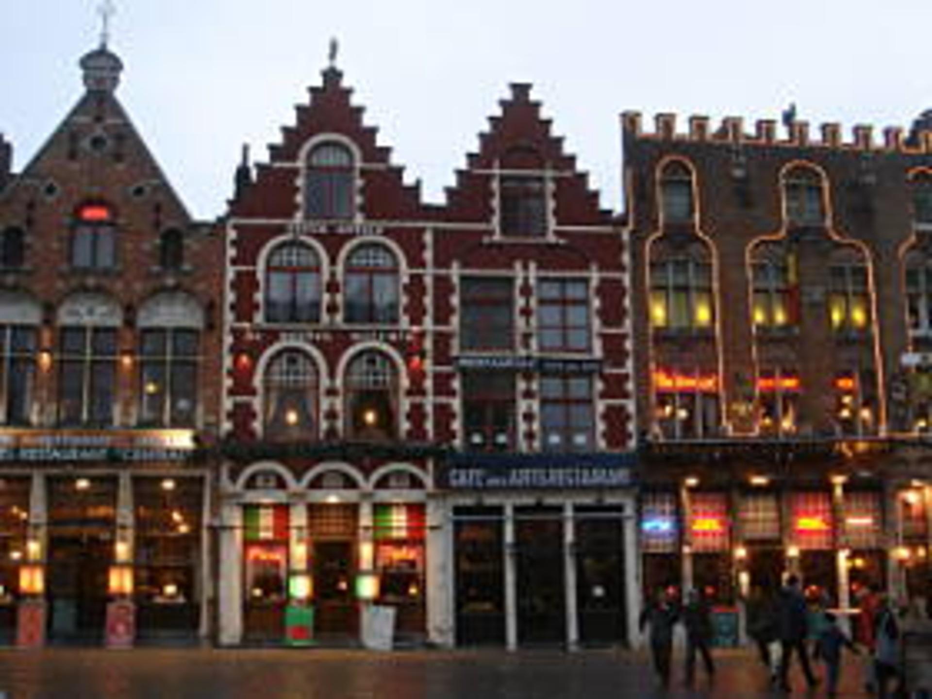 Floris Hotel Bruges Parking