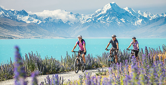 Lake Pukaki in Canterbury © Miles Holden / New Zealand Tourism