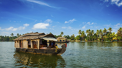 Hausboot auf den Backwaters von Kerala © f9photos / istock.com