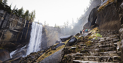 "Der ""Mist Trail"" im Yosemite National Park © Yosemite / Mariposa Tourism"