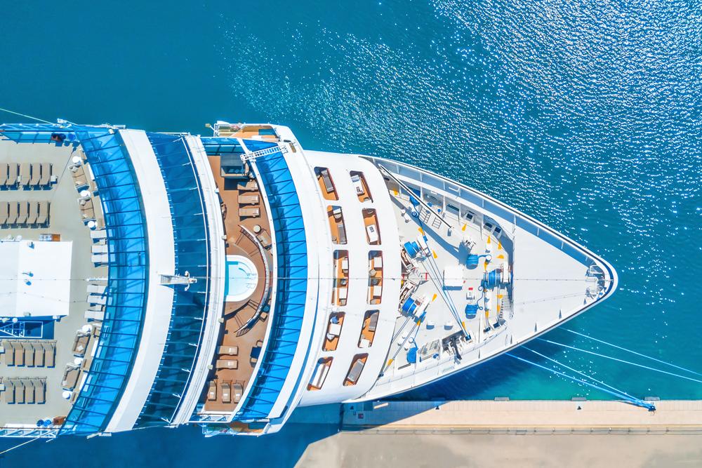 Die meisten Kreuzfahrtschiffe belasten laut NABU die Umwelt auch 2019 immer noch erheblich. ©Anton Watman/shutterstock